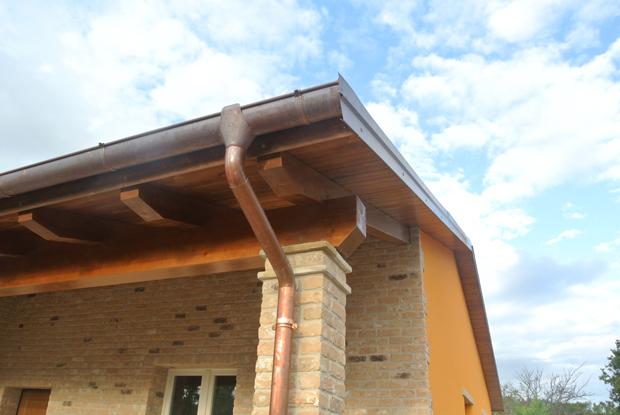 Edificio monofamiliare in legno corinaldo an for Piani di costruzione di case in metallo a due piani