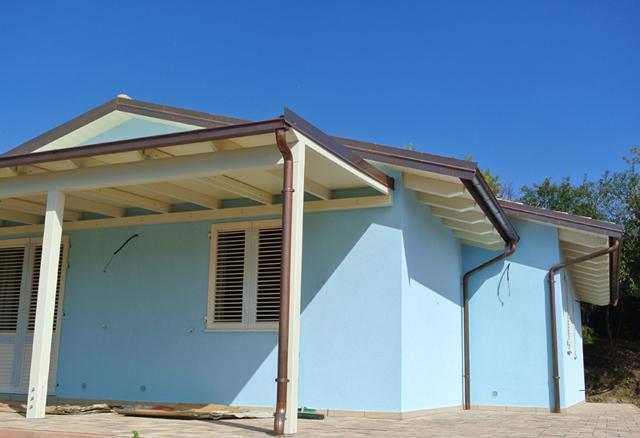 Ultimata una nuova costruzione unifamiliare in legno for Programma di costruzione per la costruzione di una casa